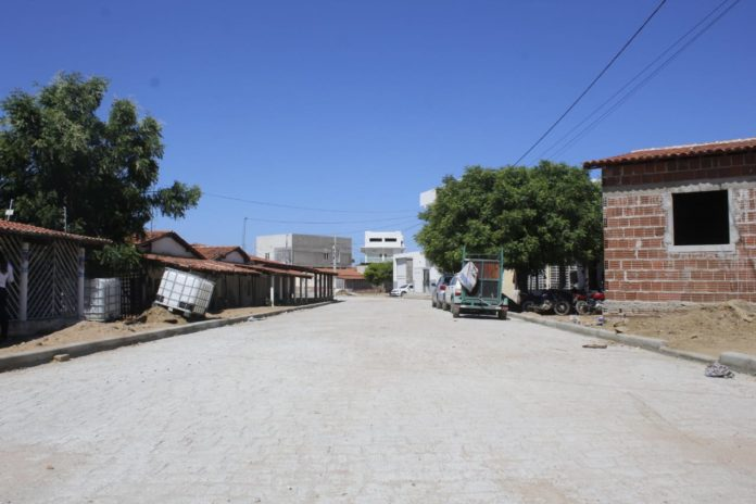 WhatsApp Image 2020 11 19 at 18.43.38 696x464 - Prefeitura de São Bento conclui pavimentação na comunidade de Barra de Cima - São Bento